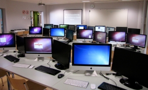 Mobile_software_development_laboratory_in_The_Estonian_Information_Technology_College